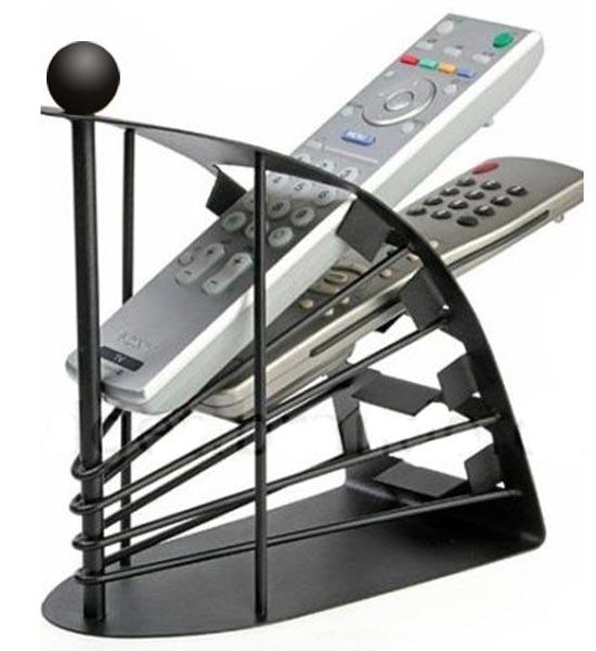 Porta telecomandi da tavolo oggetti in ordine e vassoio sul braccio del divano - Porta telecomandi da divano ...